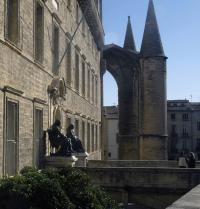 Facultad de Medicina (al fondo, la catedral de Saint-Pierre). Montpelier, Francia.Oscar Elias/Iberfoto. Photoaisa.