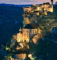 Nightfall in Rocamadour. France. BancoFotos. Fotolia