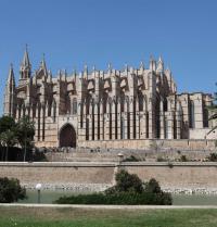 Fachada lateral do Miradoiro (1389-1401). Catedral de Palma. IRU, S.L.