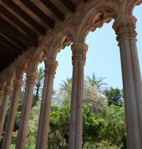Claustre i jardí. Monestir de Miramar. Valldemossa, Mallorca. IRU, SL.