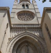 Neugotische Fassade (1894-1924); Die Fensterrose stammt ursprünglich aus der originalen gotischen Kirche (12. – 16. Jahrhundert). Kirche Santa Eulàlia. Palma. IRU, S.L.
